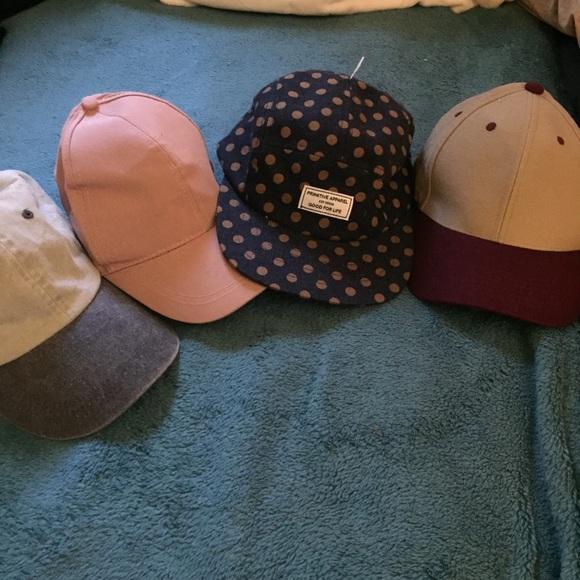 f3ac5b99351ad BUNDLE of hats. M 5a637b3d2ae12f55b3c885fb